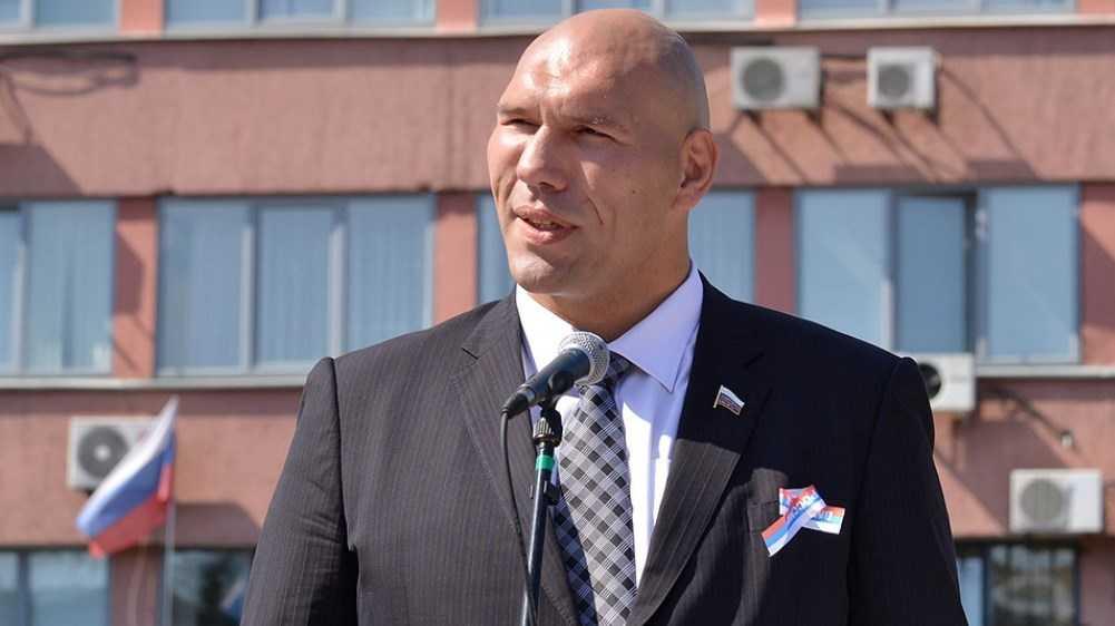 Николай Валуев поздравил жителей Брянска с Днём освобождения