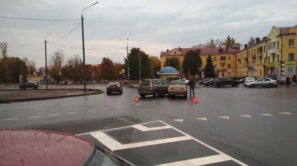 В Брянске на новом кольце у ДК Железнодорожников произошло первое ДТП