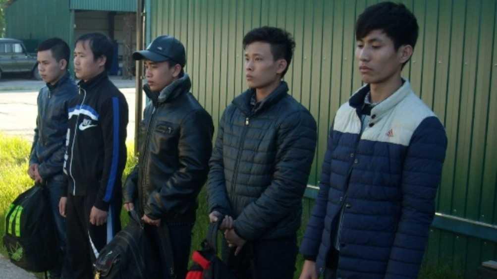 В Суземке 8 вьетнамцев и украинца осудят за нарушение границы