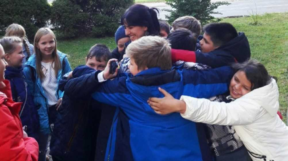 Смоленскую журналистку восхитили «самые обнимательные» брянские школьники