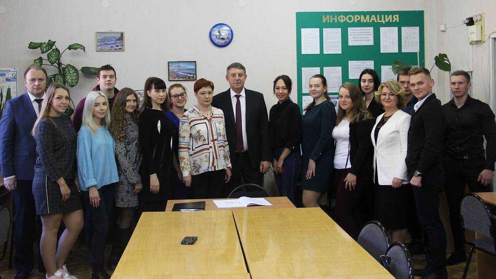 Брянский губернатор рассказал о студенческих годах и веселой общаге