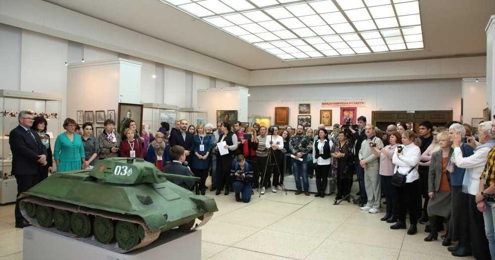 Работы брянских мастеров отметили на всероссийской выставке «Салют Победы»
