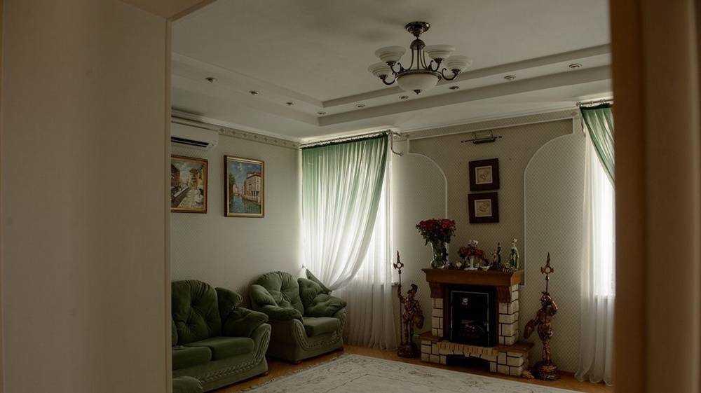 В Брянске дом с сауной и бассейном продают за 35 млн рублей