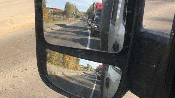 В сети появилось фото гигантской пробки в Брянске
