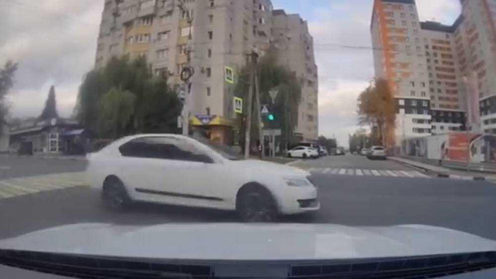 В Брянске опасного нарушителя на улице Дуки сняли на видео