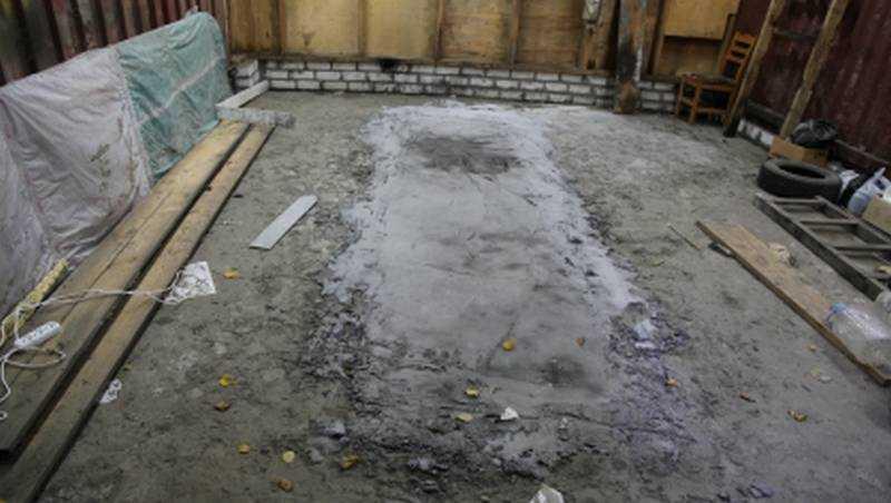 Трое жителей Брянска убили мужчину и замуровали его тело бетоном
