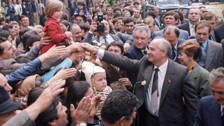 Почему мы должны слушать Горбачева?