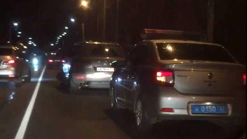 В Брянске полиция устроила погоню за сбившим звезду внедорожником