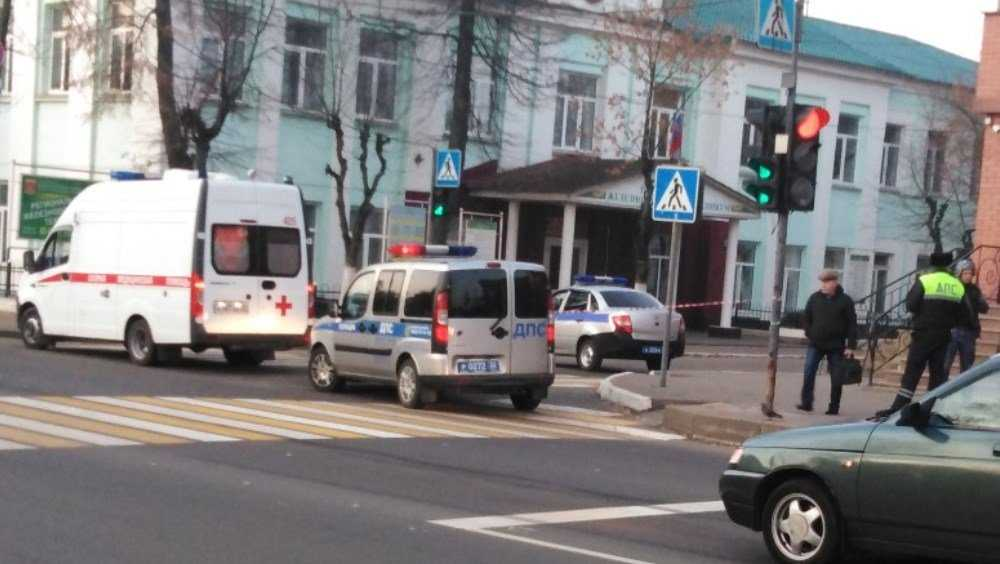 В Брянске вызвала переполох сумка с «бомбой» у железнодорожного техникума