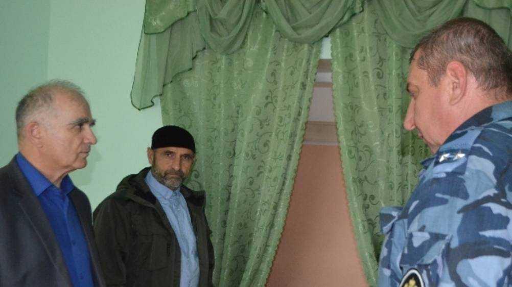 Чиновник из правительства Дагестана навестил мусульман в колонии Клинцов