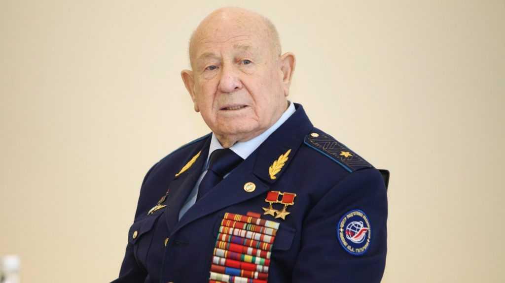 «Попутного ветра, мой друг»: американский астронавт почтил память Алексея Леонова
