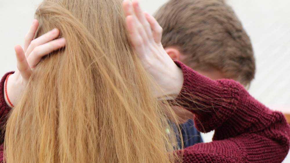 Названы имена брянских супругов, изнасиловавших свою дочь
