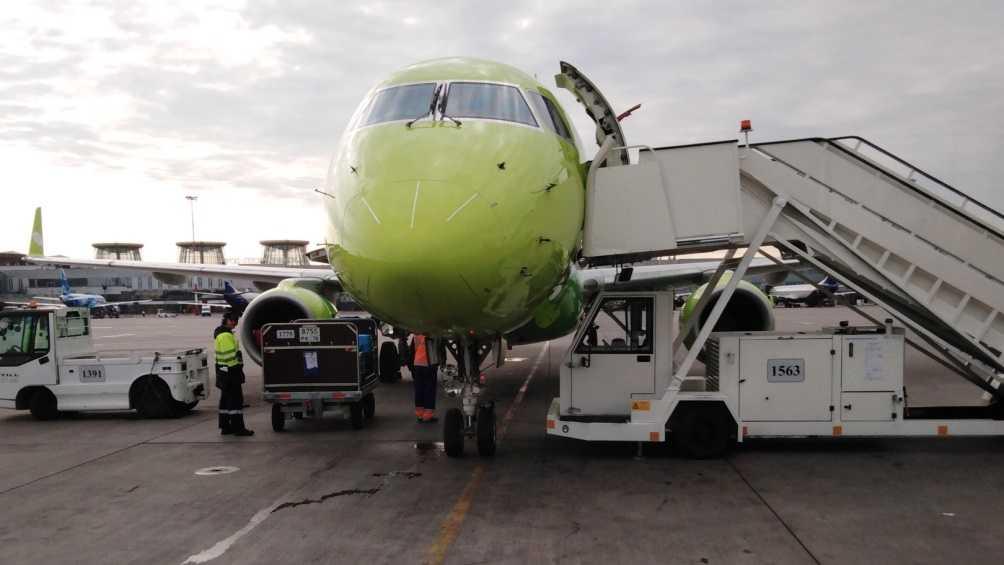 Авиарейс Санкт-Петербург – Брянск задержали по неизвестной причине