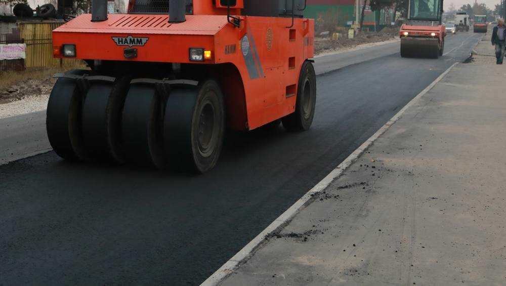 В Брянске до конца недели заасфальтируют три улицы
