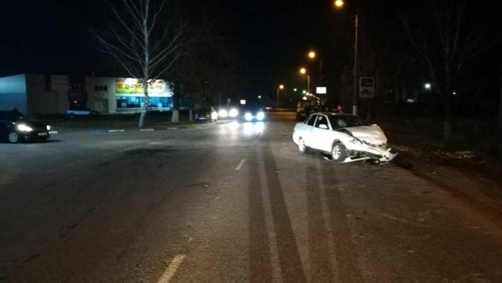 В Дятькове в ДТП с 2 легковушками пострадали пять человек