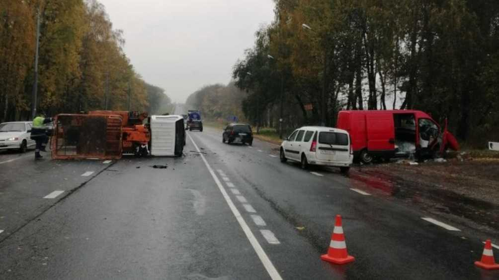 Брянская полиция обратилась к очевидцам ДТП на смоленской трассе