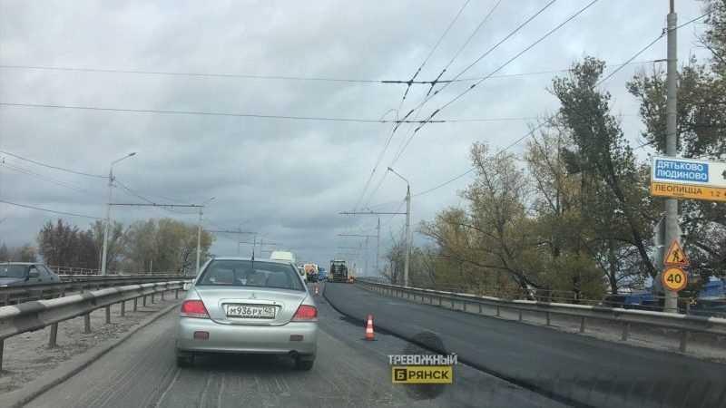 В Брянске автомобилисты попали в гигантскую пробку возле стальзавода