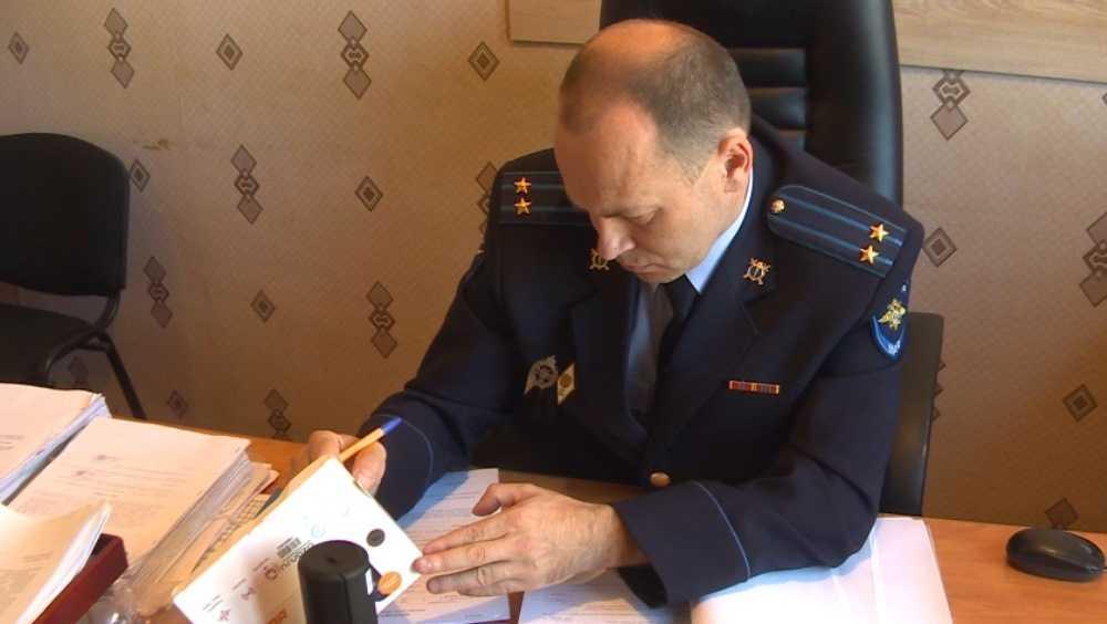 В Клинцах грабитель похитил 3500 рублей у связанной пенсионерки