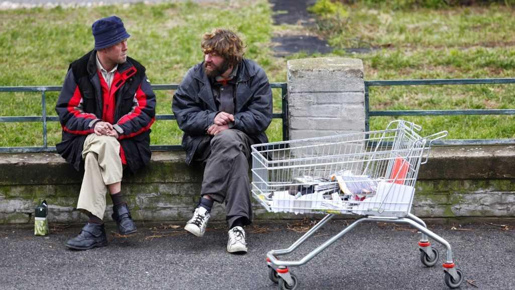 Брянских бездомных бесплатно оденут в стильную одежду Gloria Jeans