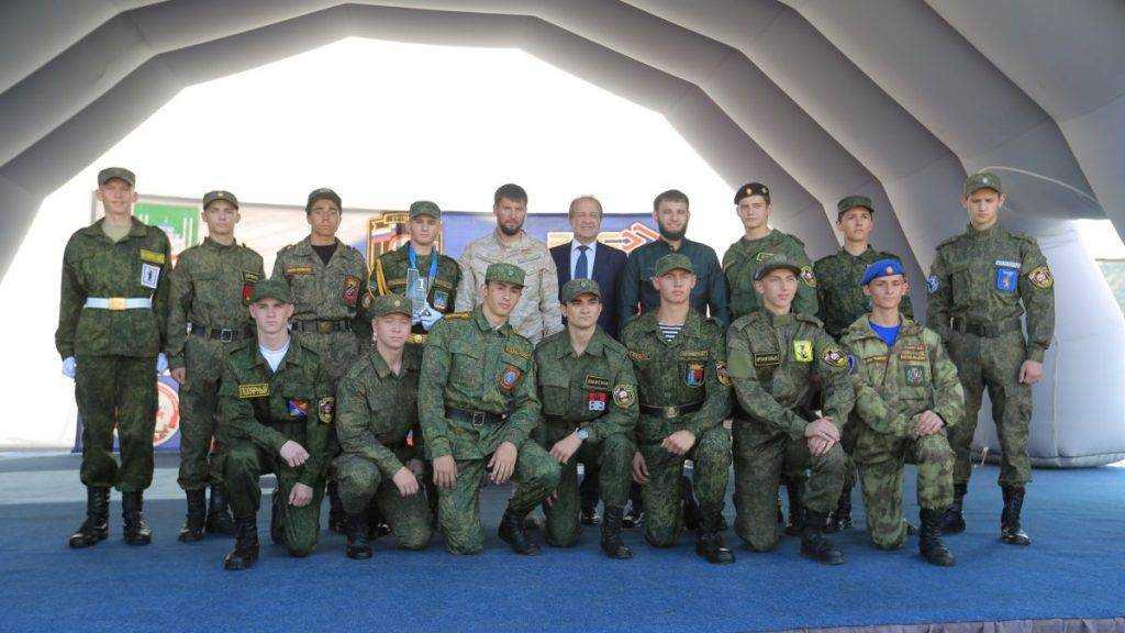 Брянские школьники привезли из Чечни 200 тысяч рублей