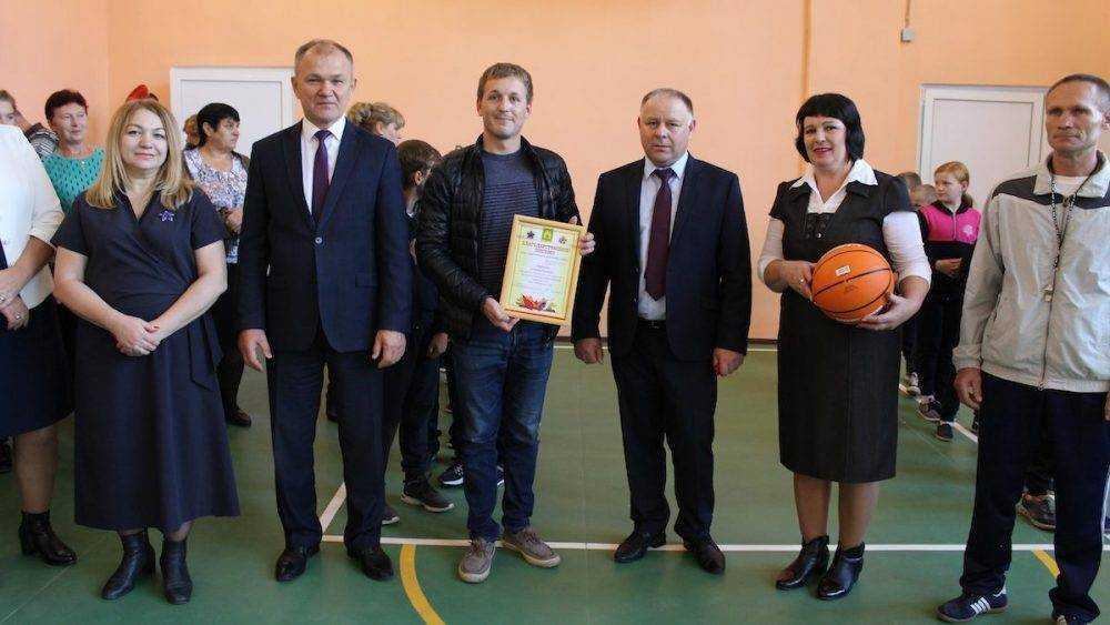 Благодаря партпроекту в сельской школе Мглинского района отремонтировали спортзал