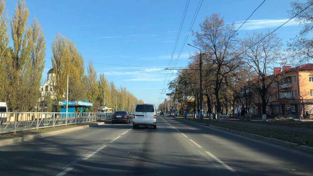 Стал разрушаться большой участок Московского проспекта Брянска