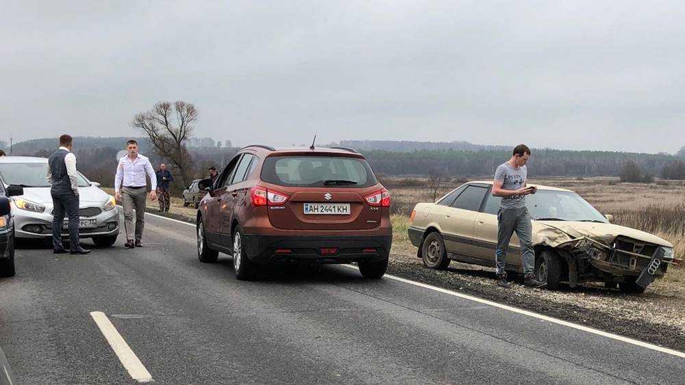 На брянской трассе перед мостом случилось нелепое ДТП