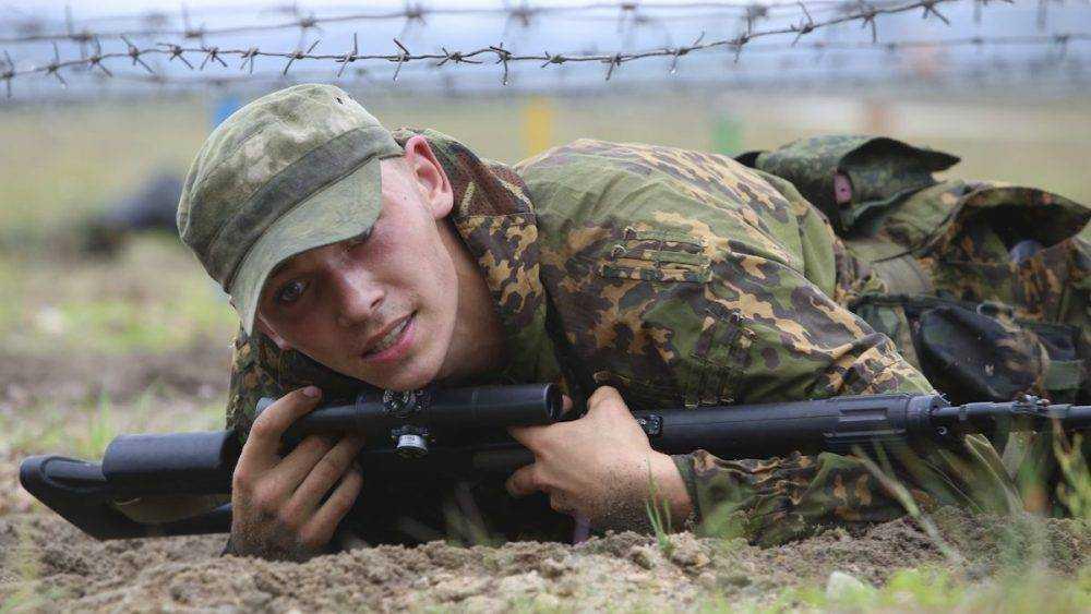 Вооруженный солдат сбежал из воинской части в Клинцах