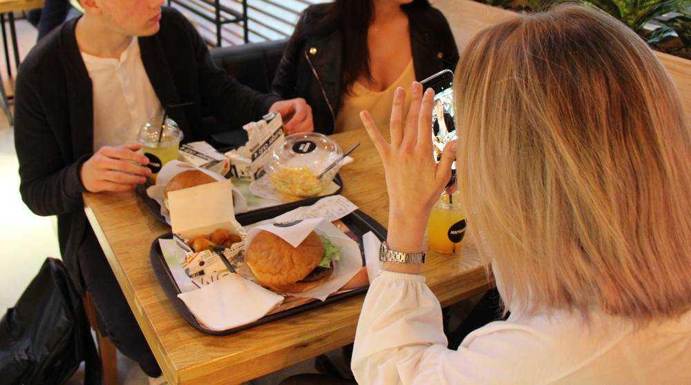 Из-за коронавируса ввели жесткие ограничения для брянских подростков