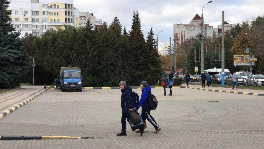 В Брянске снесли самый большой рекламный экран на площади Партизан