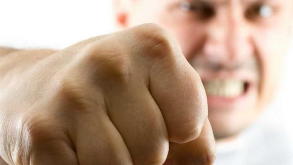 Брянца за зубодробительный удар полицейского осудили на два года