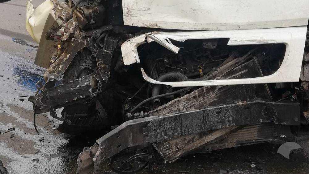 В Брянске на улице Калинина столкнулись маршрутка и «УАЗ Патриот»