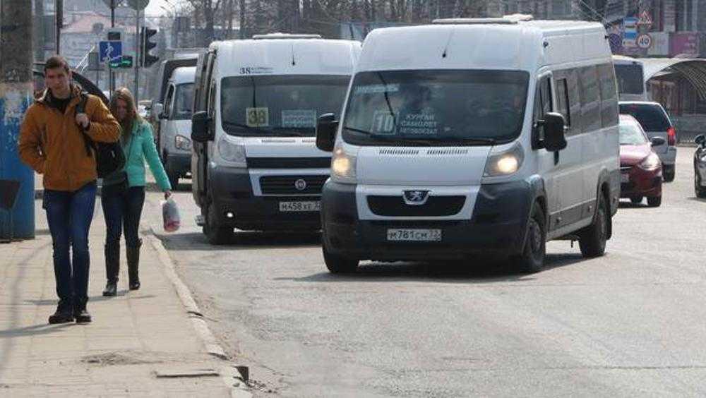 Власти Брянске отменят самые популярные у горожан маршрутки