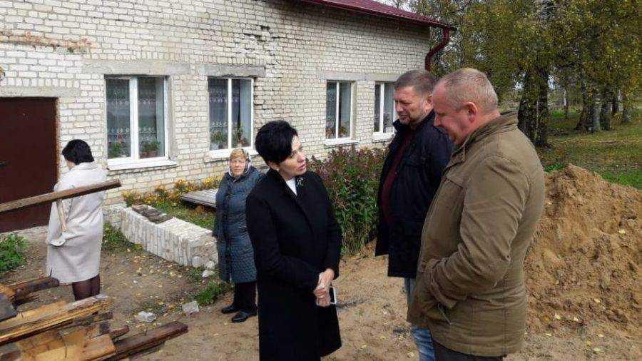 Депутат Миронова оценила ремонт Домов культуры в Клетнянском районе