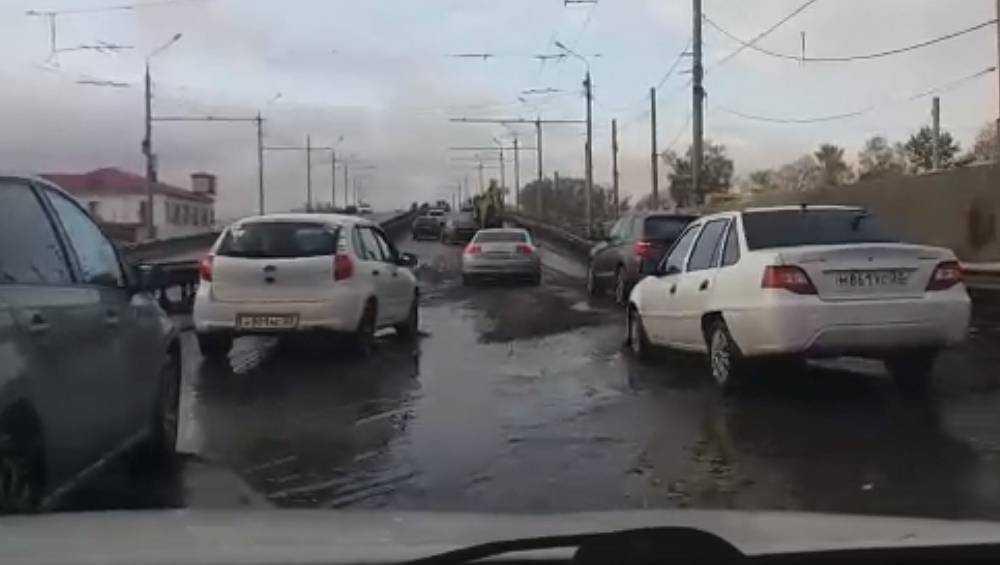 Брянцы пожаловались на адскую дорогу по Литейному путепроводу