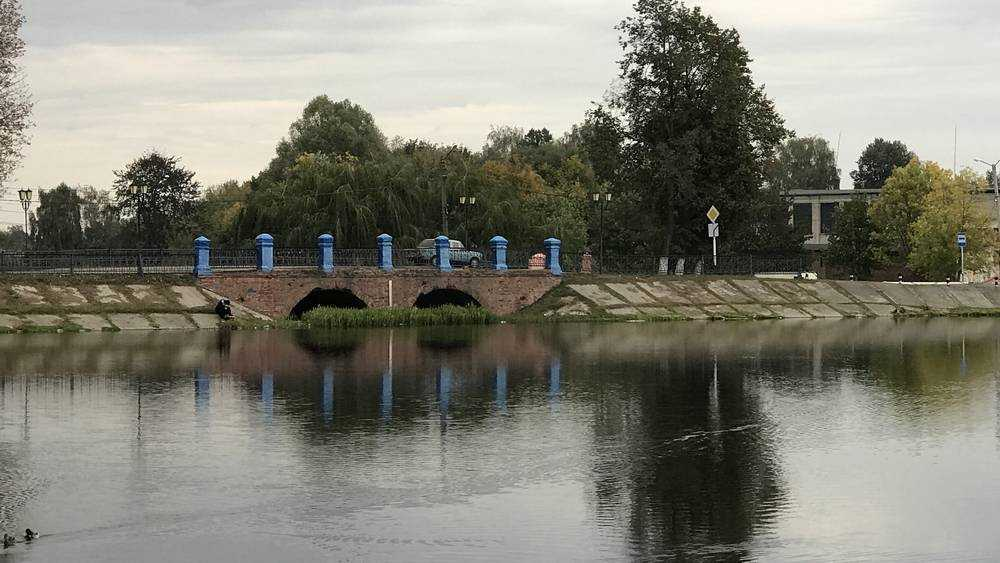Ремонт старинного моста в Новозыбкове затянулся