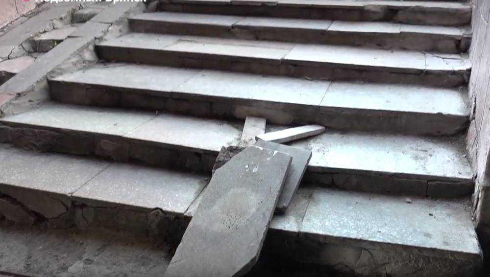 В Брянске прокуратура потребовала отремонтировать подземный переход