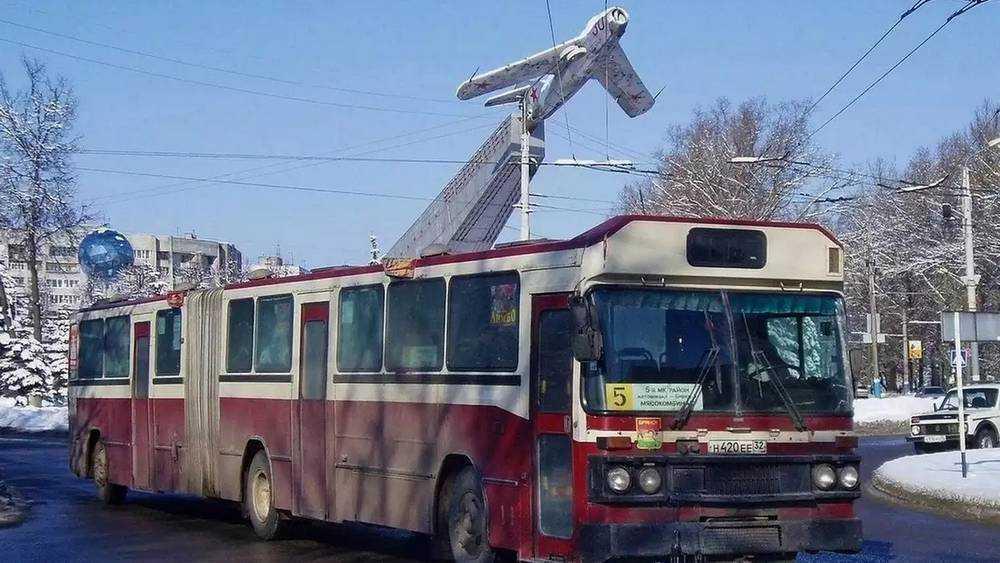 Жители Брянска стали ностальгировать о древних автобусах «Вольво»