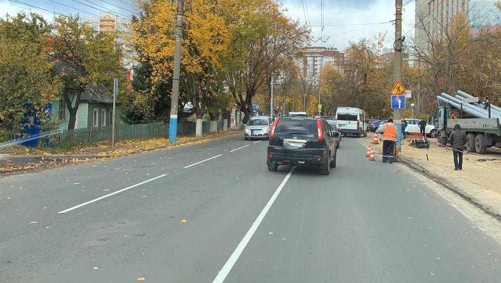 В Брянске новая разметка возле БГУ запутала водителей