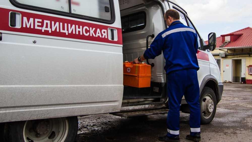 В Бежицком районе Брянска возле кафе скончался мужчина