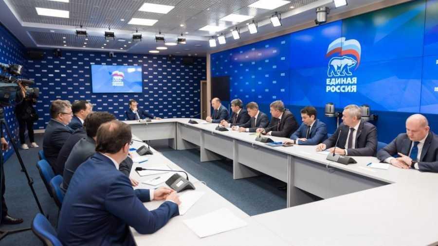 Медведев одобрил инициативу ряда глав регионов возглавить реготделения «Единой России»