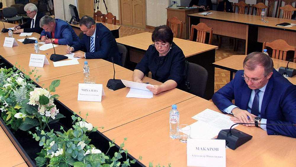 В Брянске протестировали кандидатов в мэры города