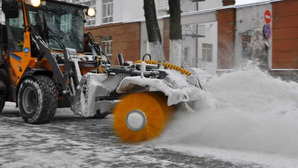 Убирать снег зимой в Брянске будут 140 машин и агрегатов