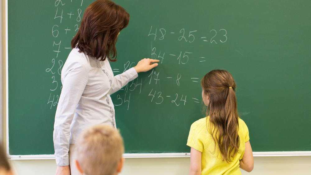 Брянские власти опровергли сообщение о принуждение учителей к вакцинации