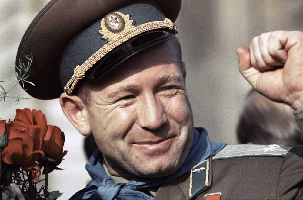 «Попутного ветра, мой друг»: американский астронавт почтил память скончавшегося Алексея Леонова