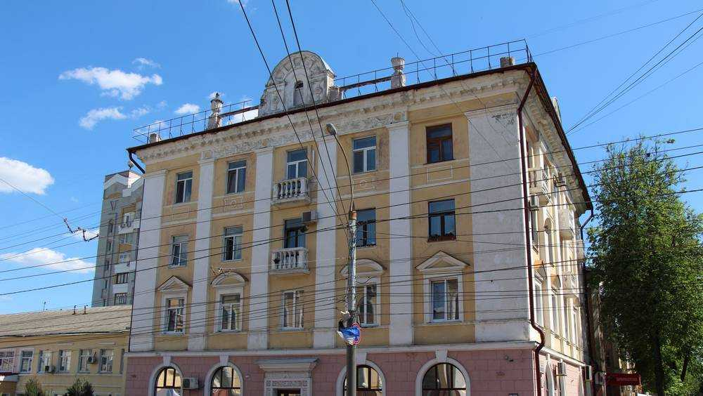 В Брянске потребовали расторгнуть браки двух женщин с азербайджанцами