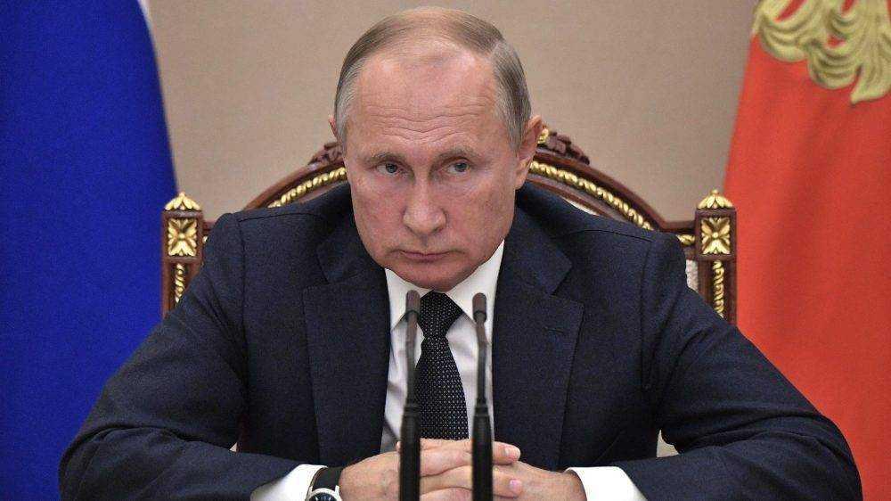 На Путина подали в суд