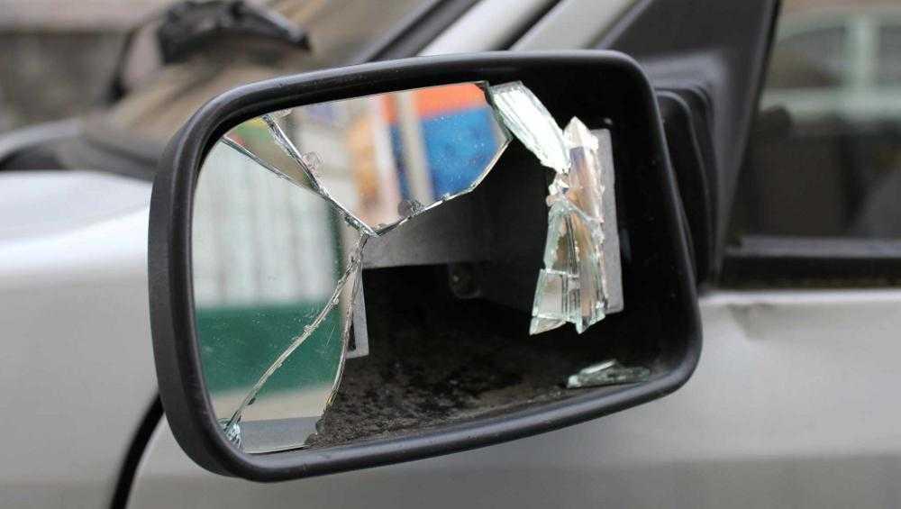 В Жуковке пьяный брянец разбил «неправильно» припаркованную легковушку