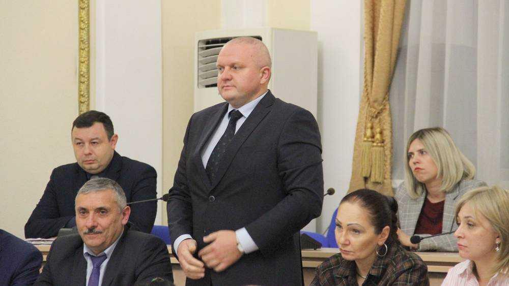 Брянский губернатор представил нового начальника управления спорта