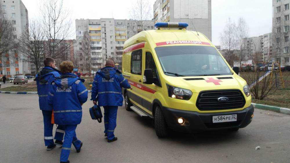 В Брянской области выдали средства защиты работникам скорой помощи